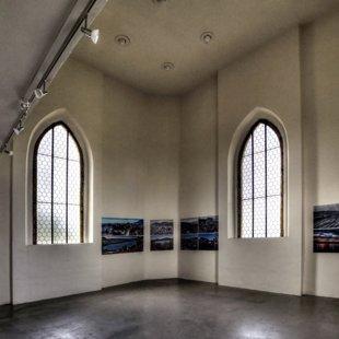 Stálá výstava fotografií Proměny napříč staletími ve věži kostela